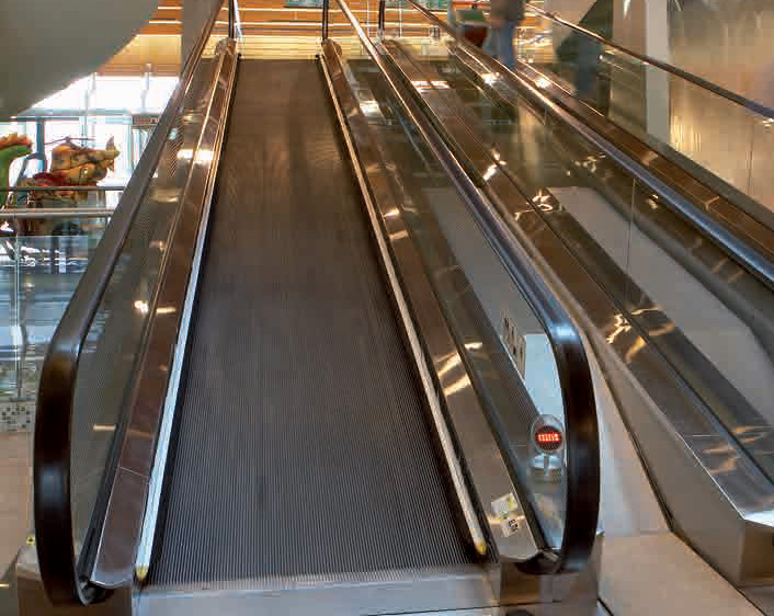 Moving walkways and pavements